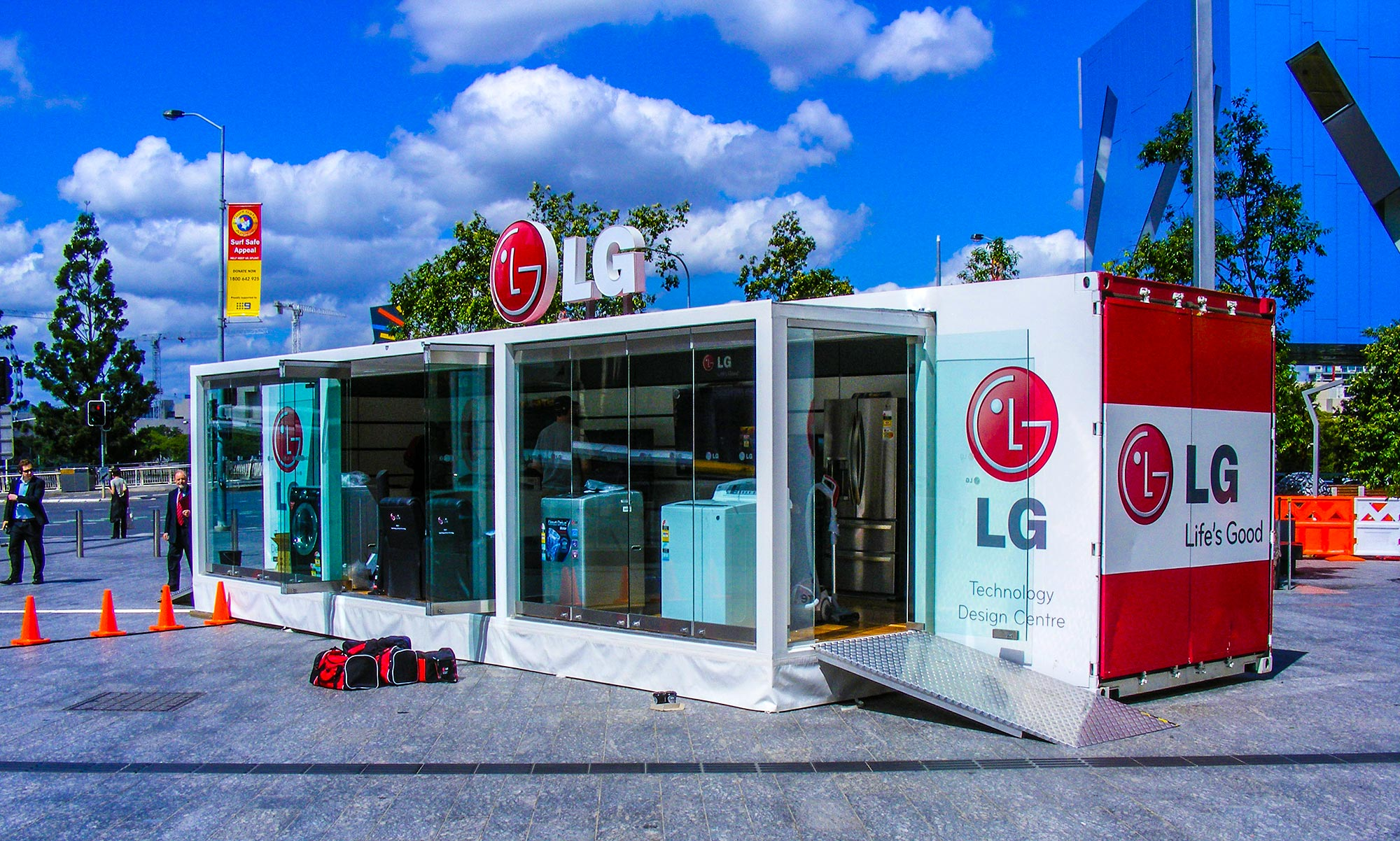 LG Mobile Showroom - Modular Event Solutions